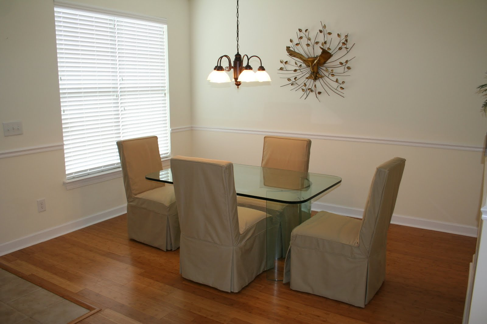 Image of: Formal Dining with beautiful Banboo flooring, crown and chair rail molding