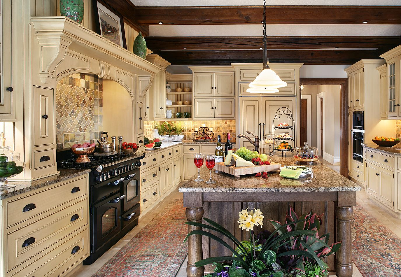 Image of: custom kitchen designs traditional homes