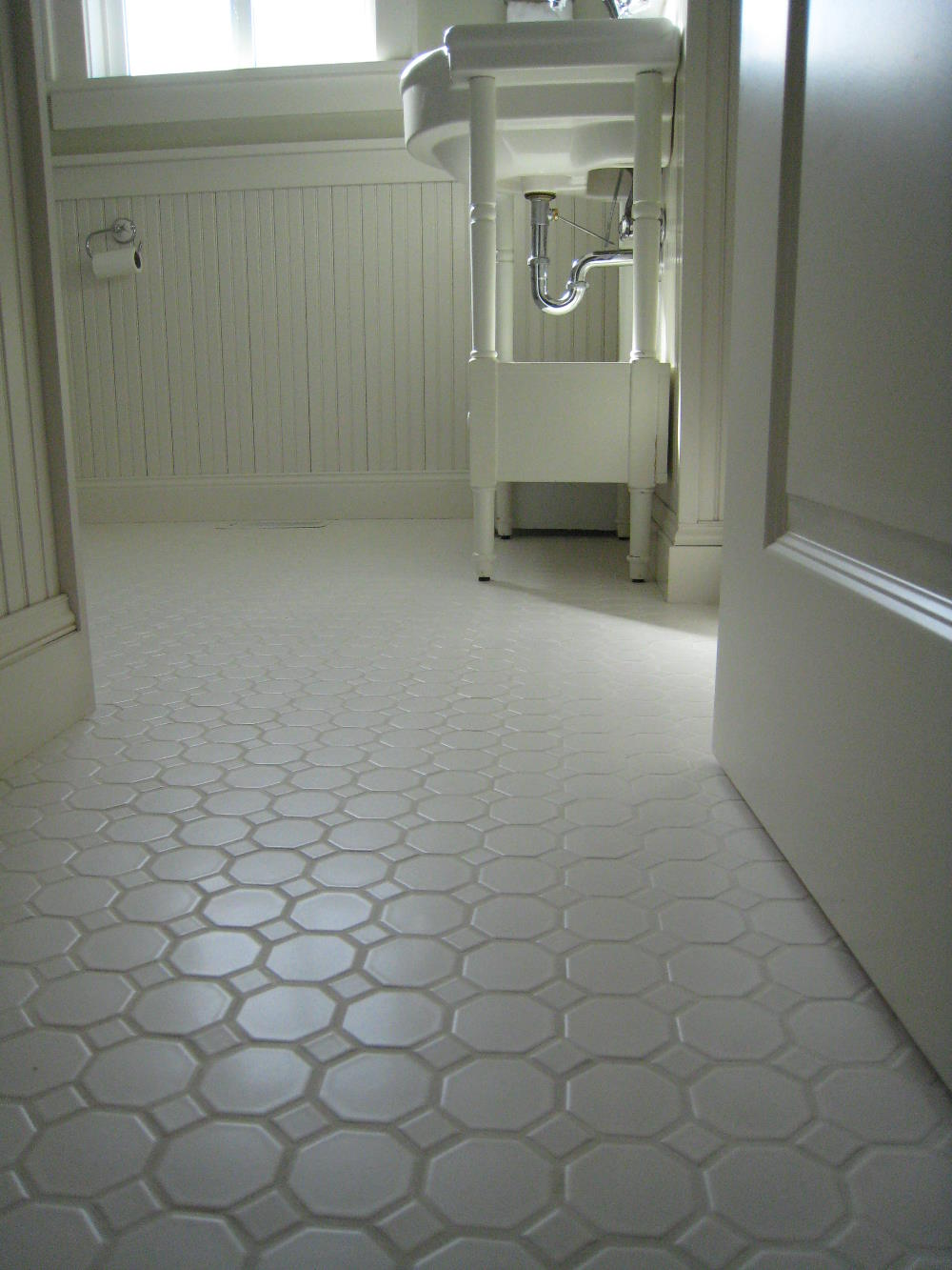 Image of: flooring for kitchen and bathroom