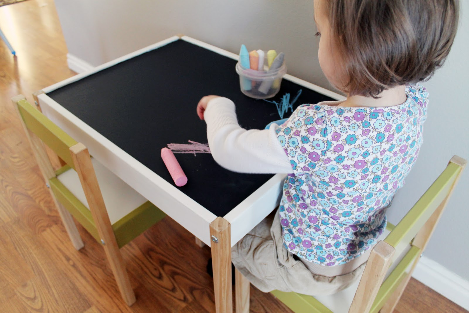 Image of: ikea childrens table and chairs reviews
