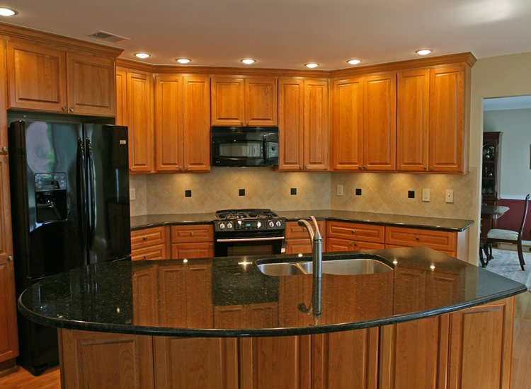 kitchen backsplash ideas with light cabinets