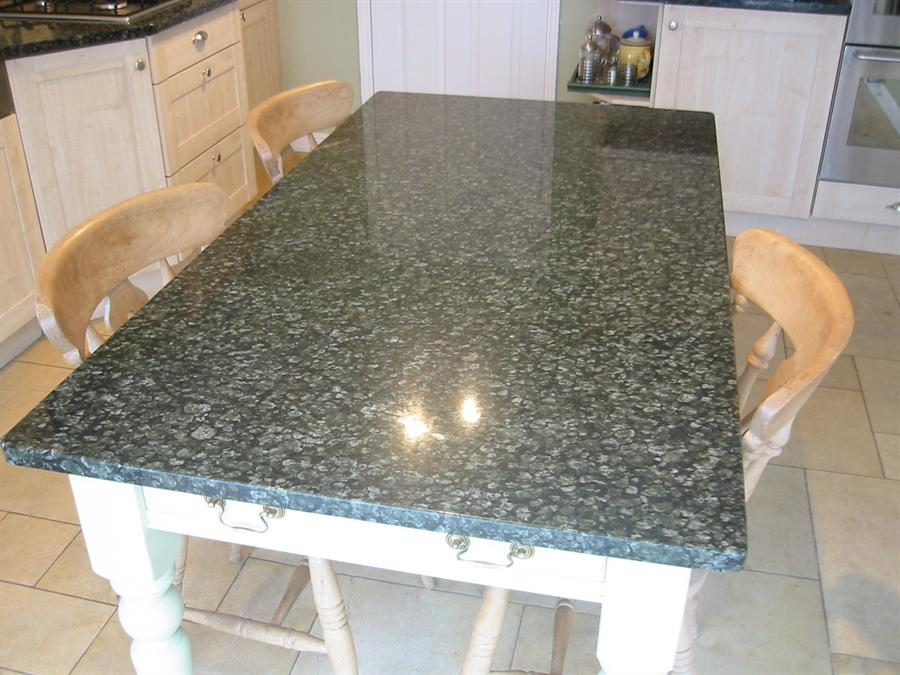 Image of: kitchen granite desk