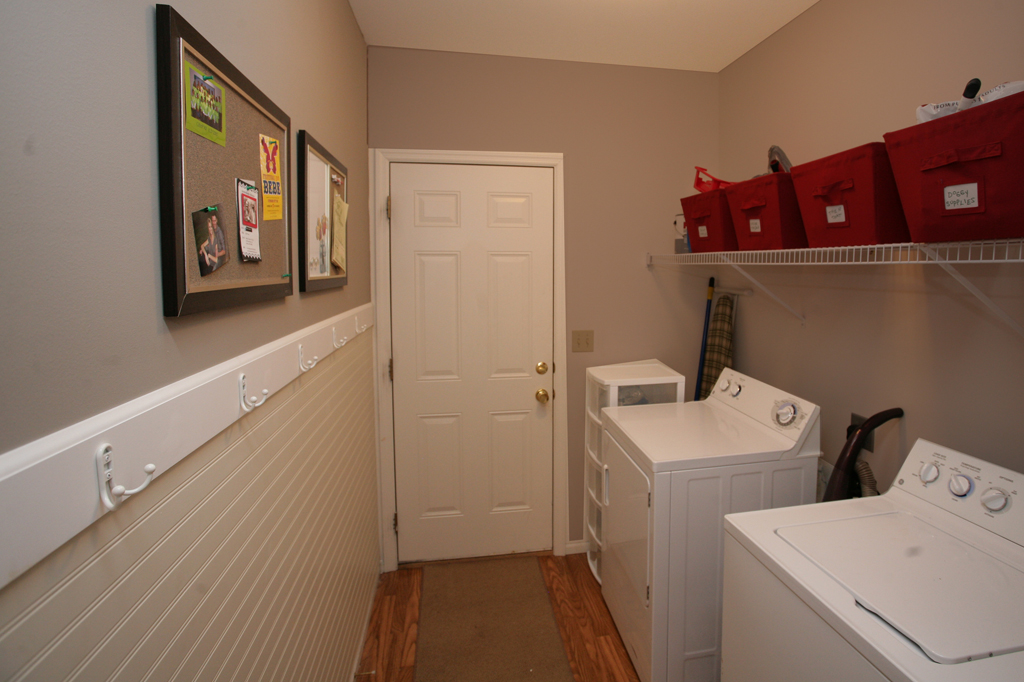 Image of: laundry room ideas garage