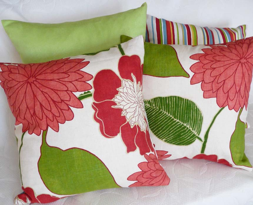 Image of: red and green decorative pillows