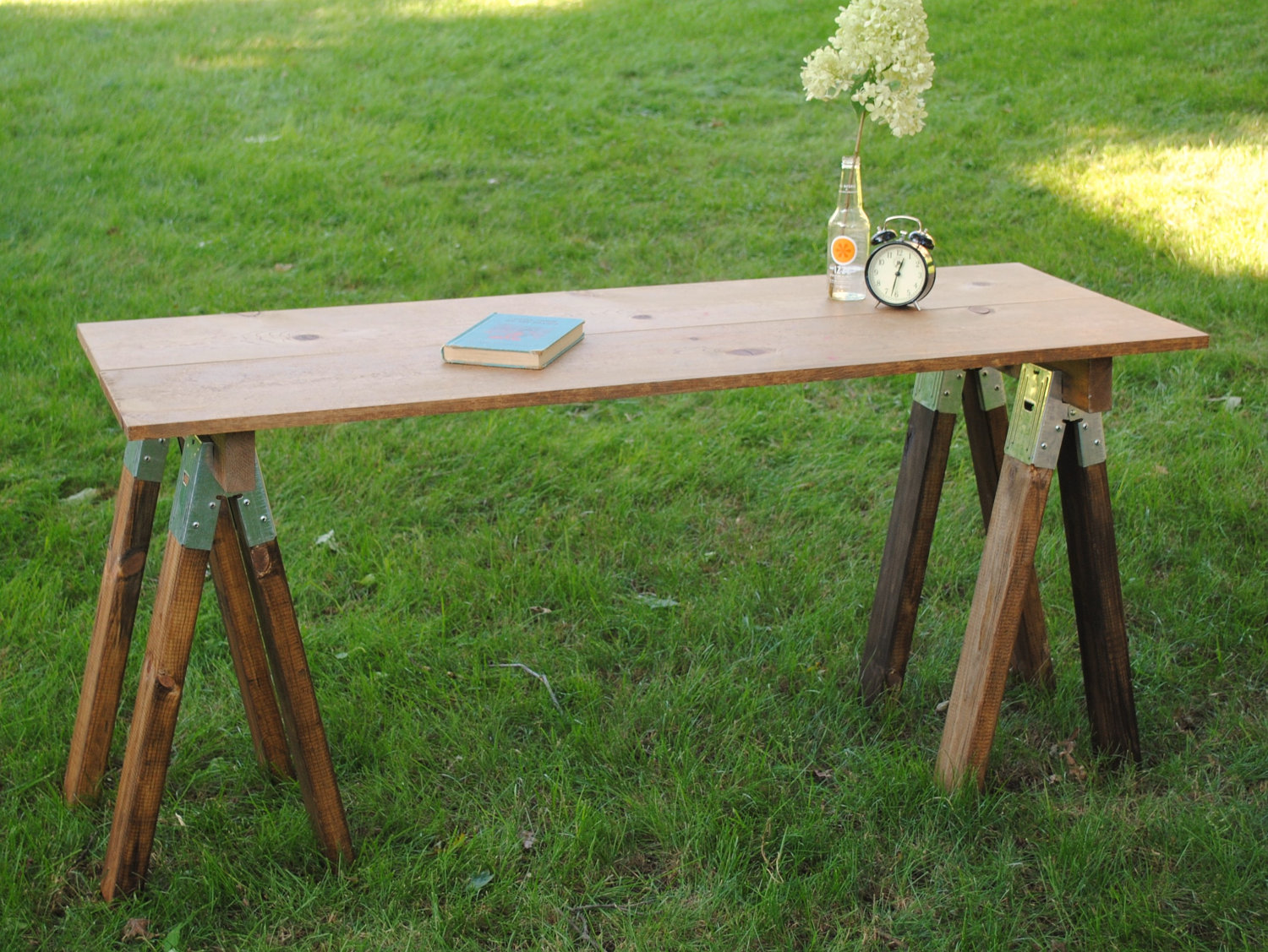 Image of: sawhorse table legs