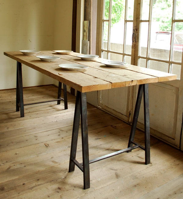 Image of: sawhorse table