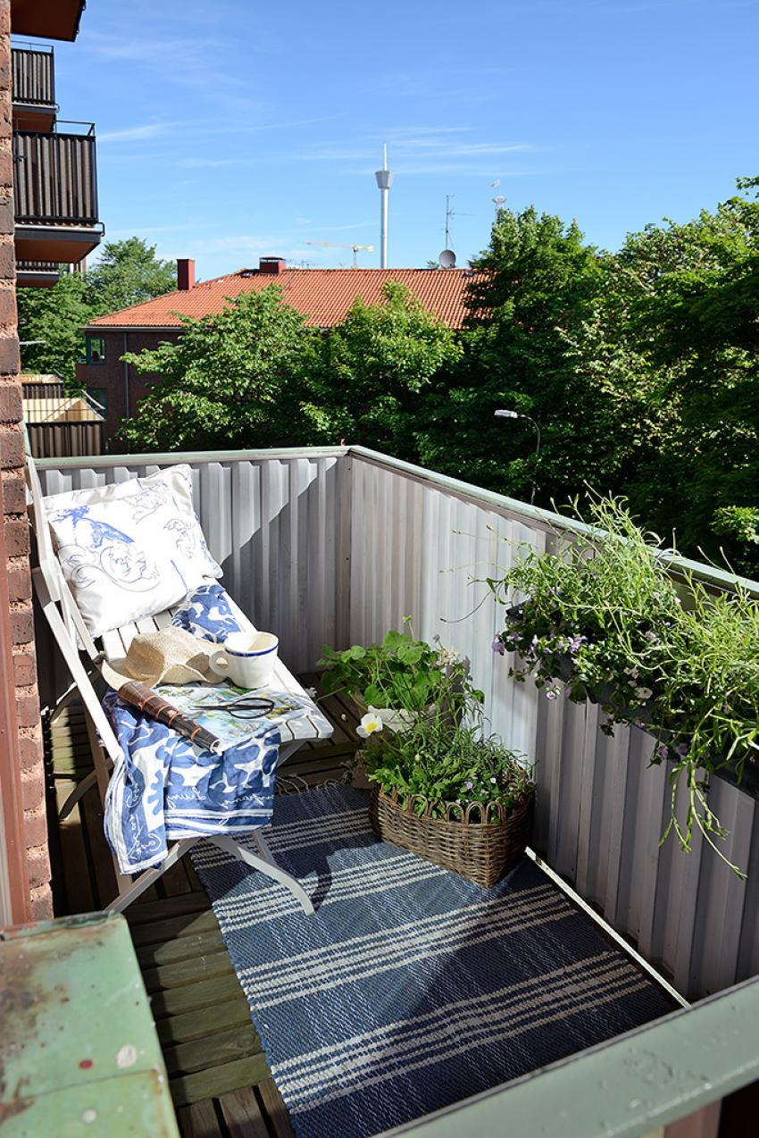 small apartment patio designs