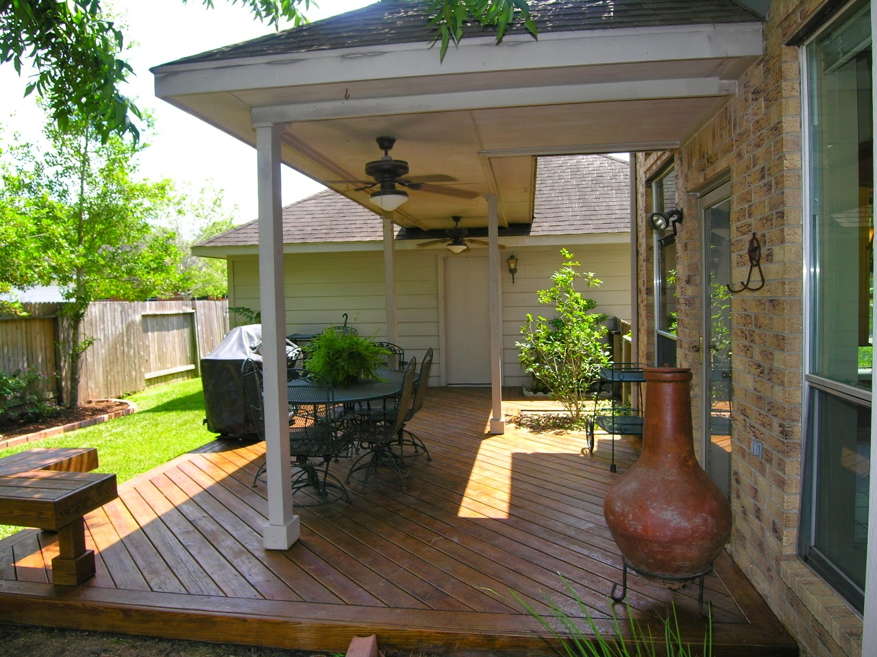 Image of: small back porch decorating ideas