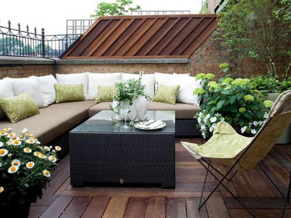 Image of: small deck and patio designs