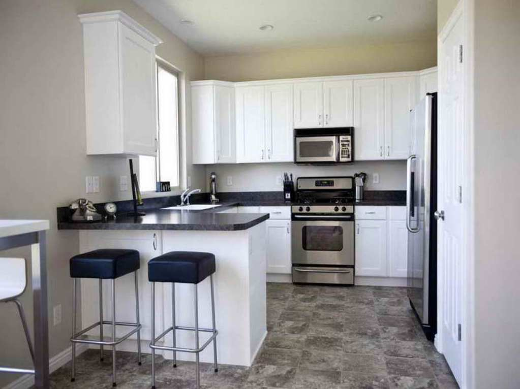 Image of: small kitchen ideas with white cabinets
