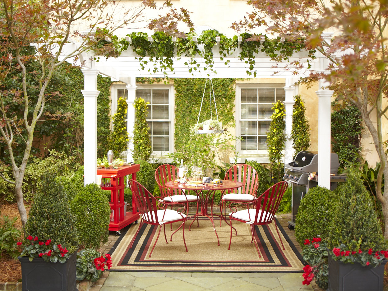 Image of: small patio decorating ideas budget