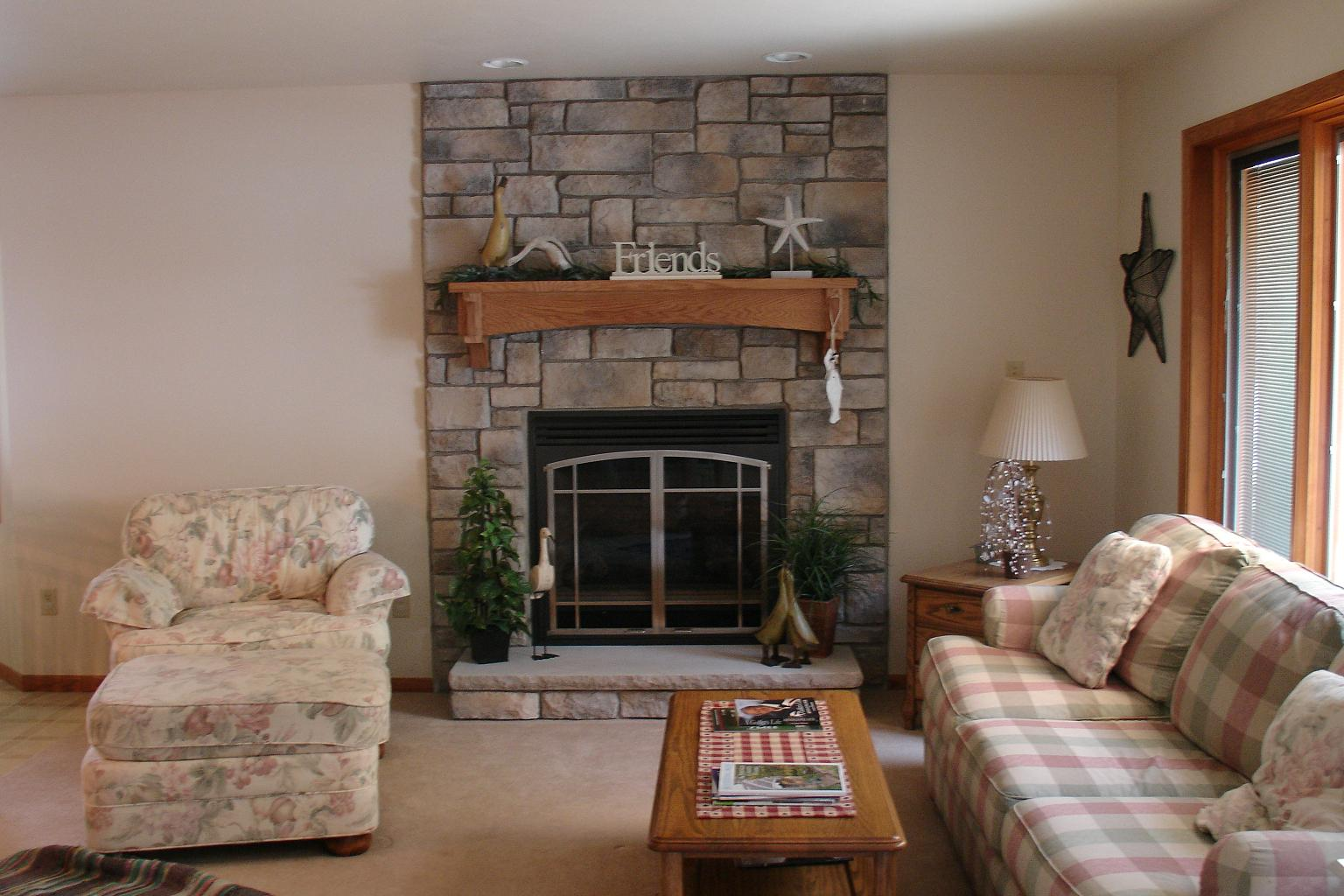 Image of: stone veneer fireplace design