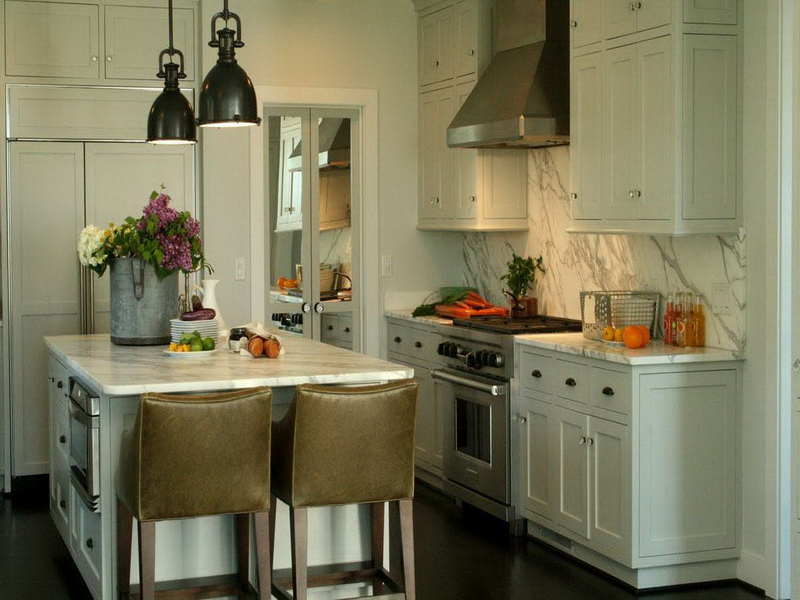 Image of: traditional kitchen designs for small kitchens