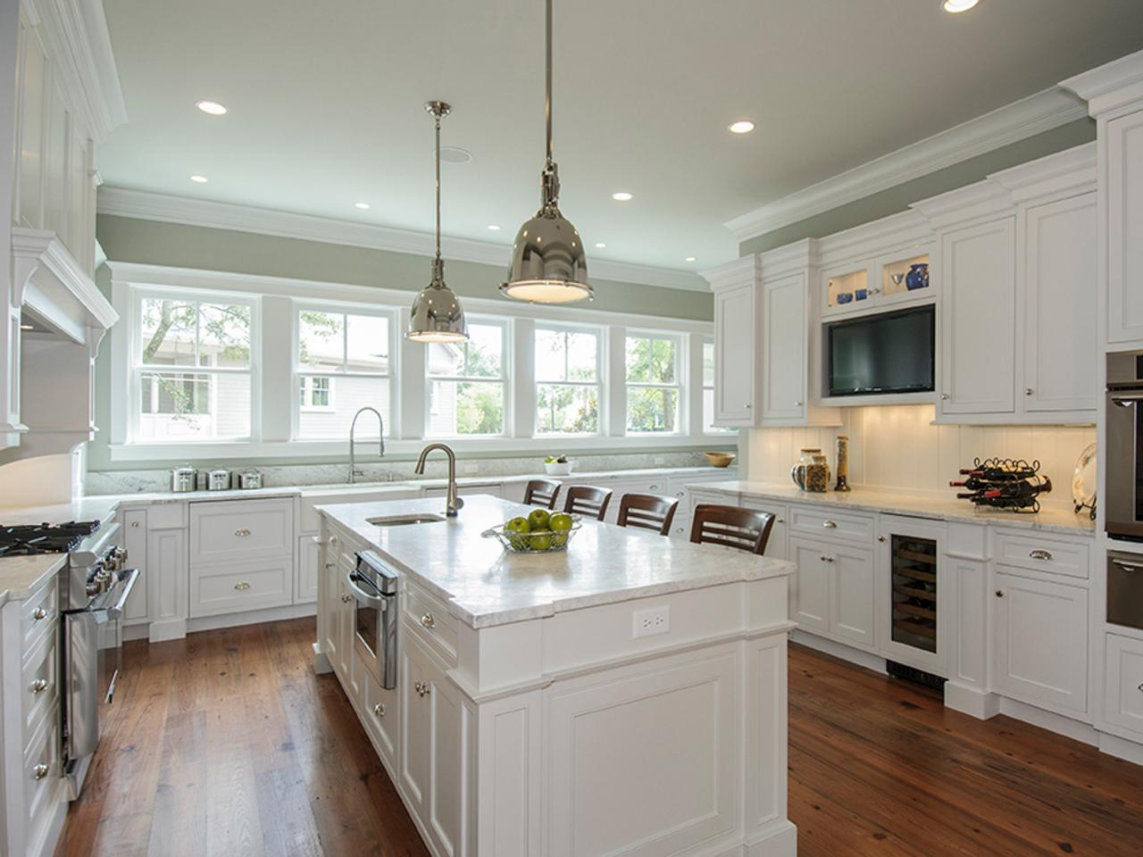Image of: white antique kitchens