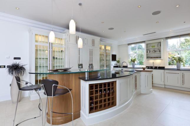 white beautiful kitchens