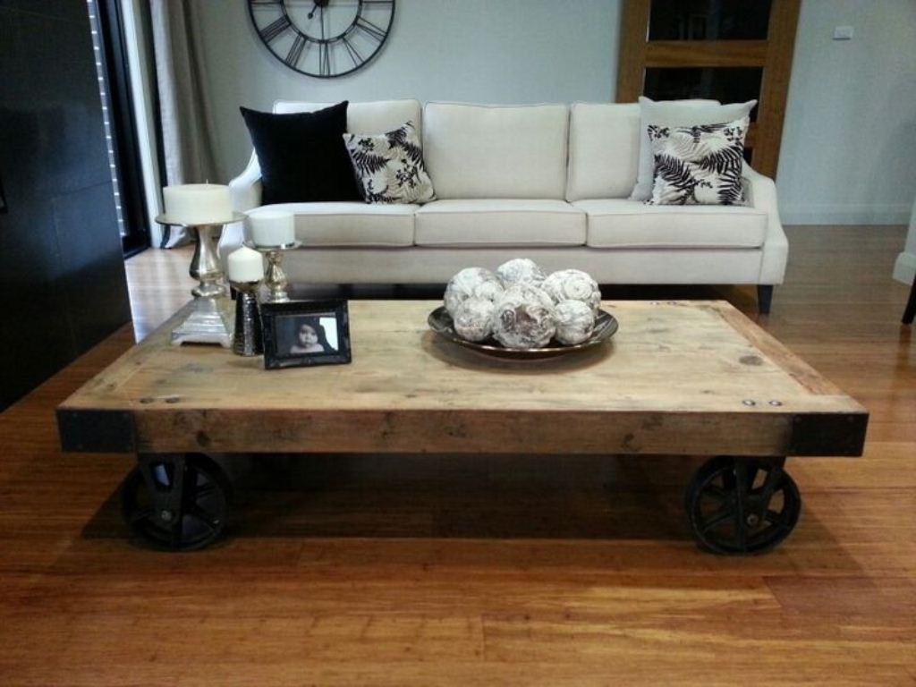 Image of: Altar Table Diy