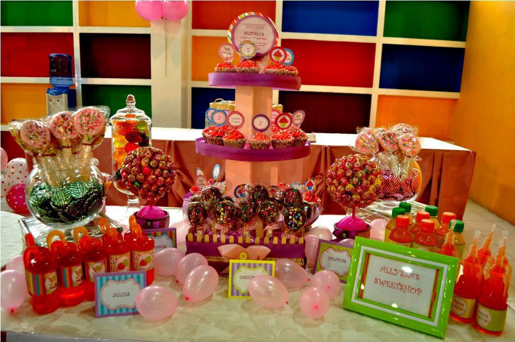 Image of: candyland party decorations
