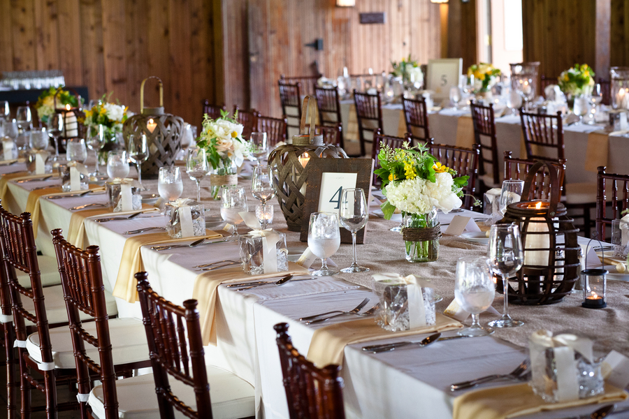 Image of: country chic wedding decorations