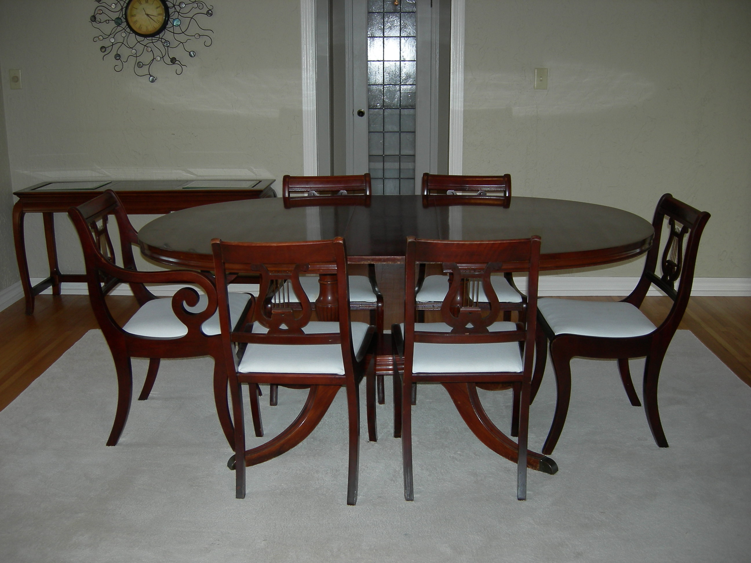 Image of: duncan phyfe style dining table and chairs