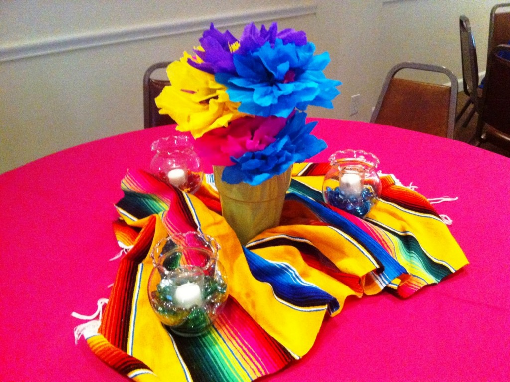 Image of: fiesta table decorations