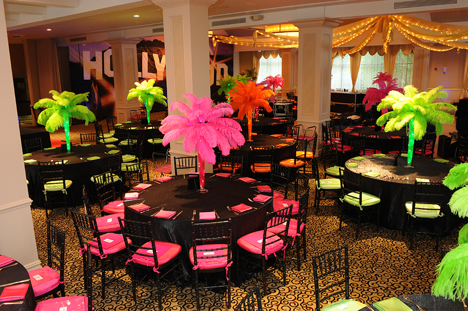 Image of: hollywood theme party decorations