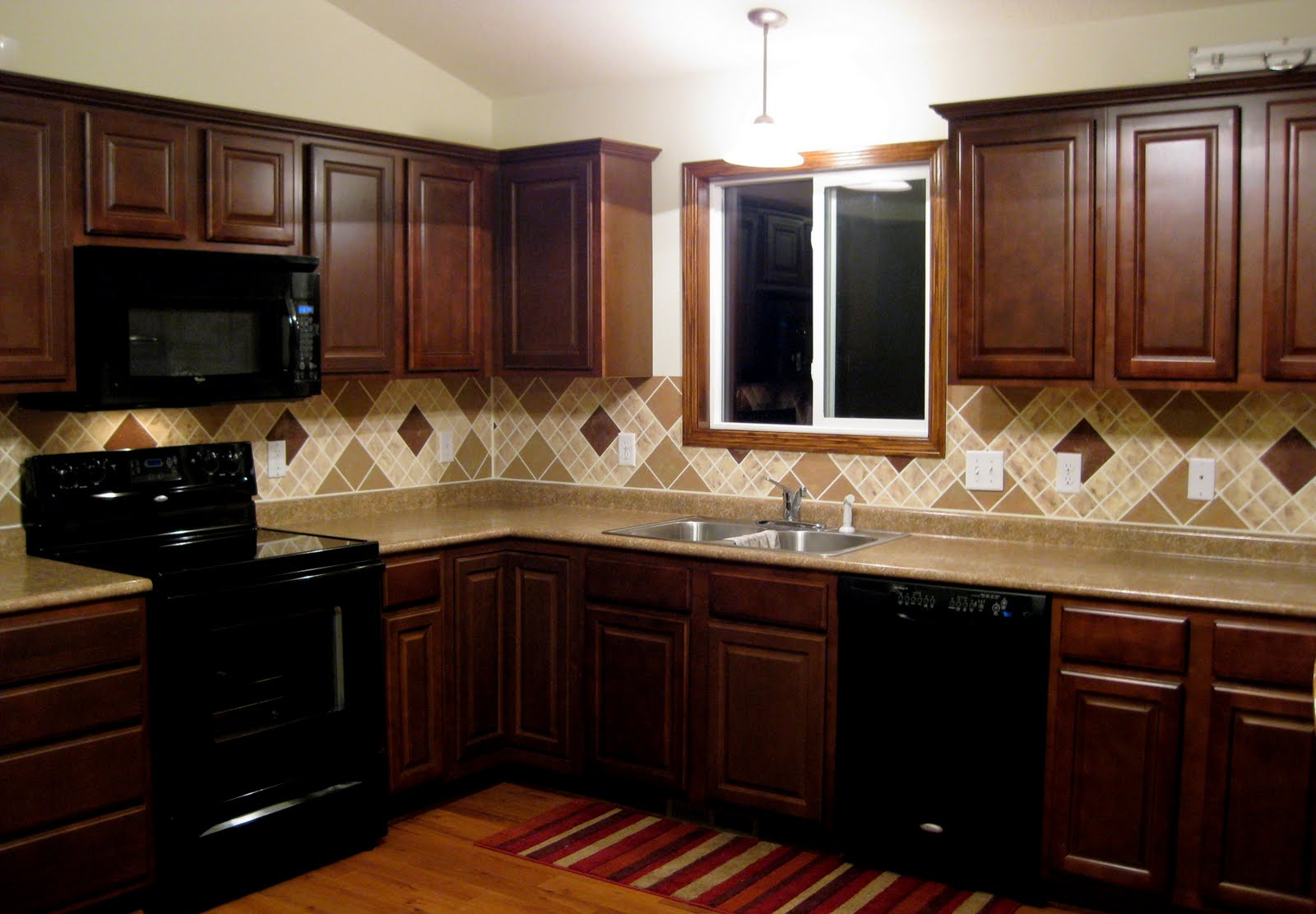 Image of: kitchen backsplash designs with dark cabinets