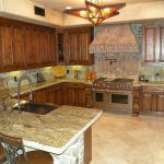 kitchen backsplash ideas cream cabinets