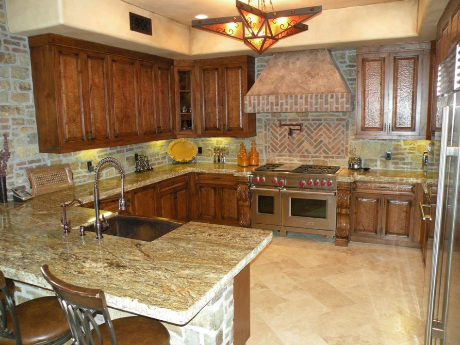 Image of: kitchen backsplash ideas cream cabinets
