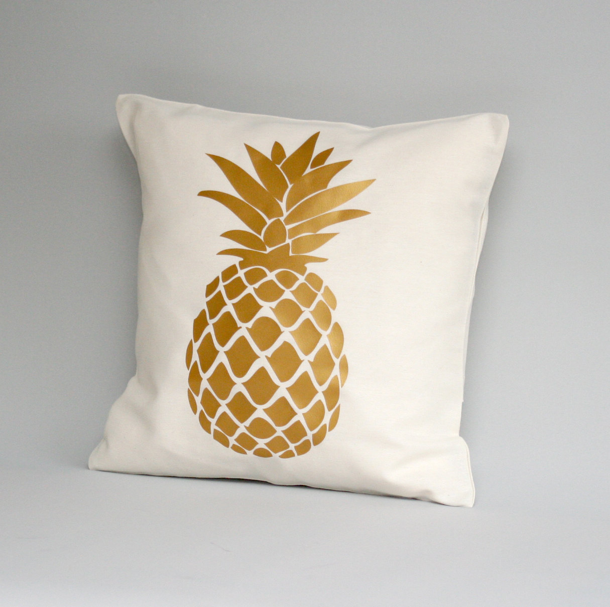Image of: pineapple decorative pillows