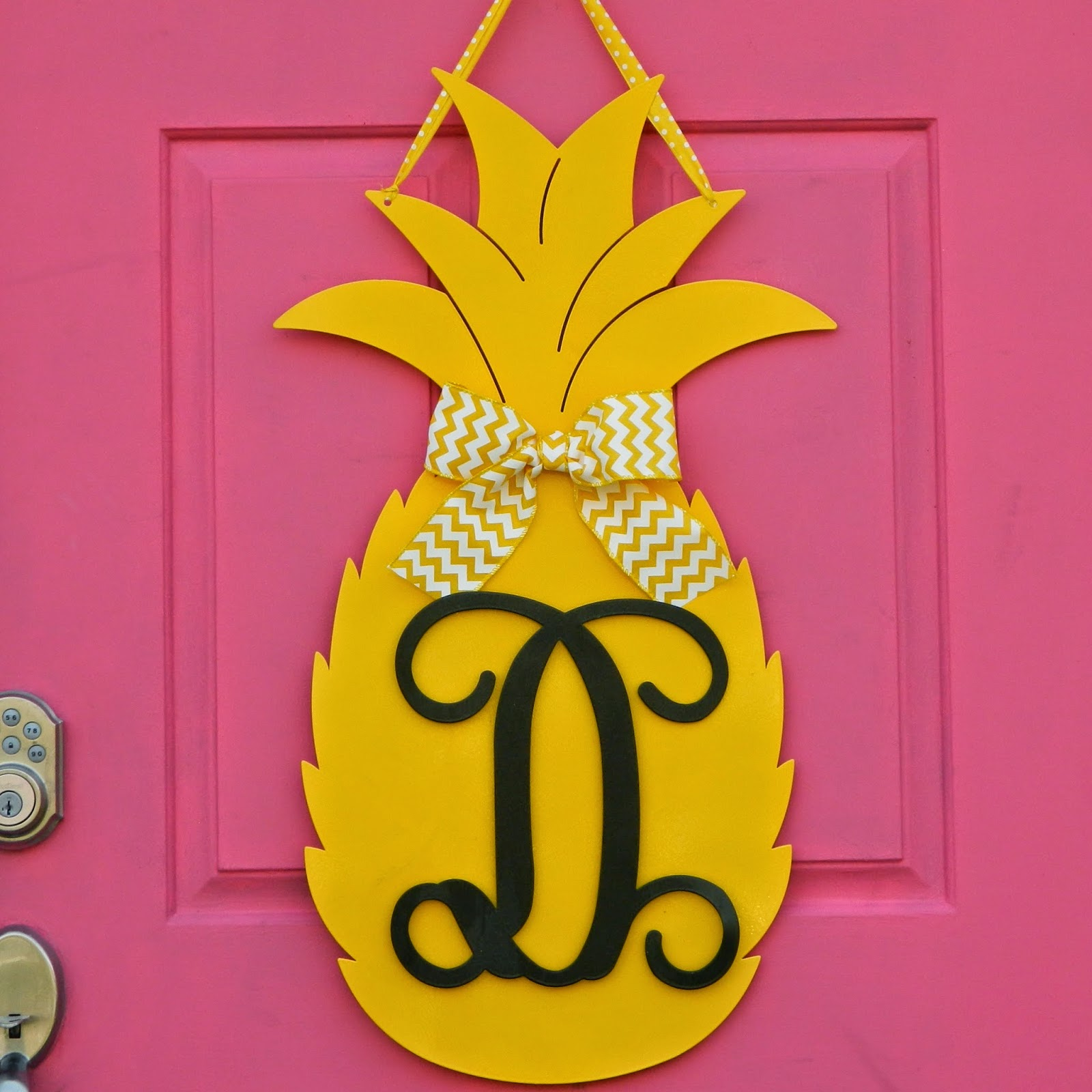 Image of: pineapple door decoration