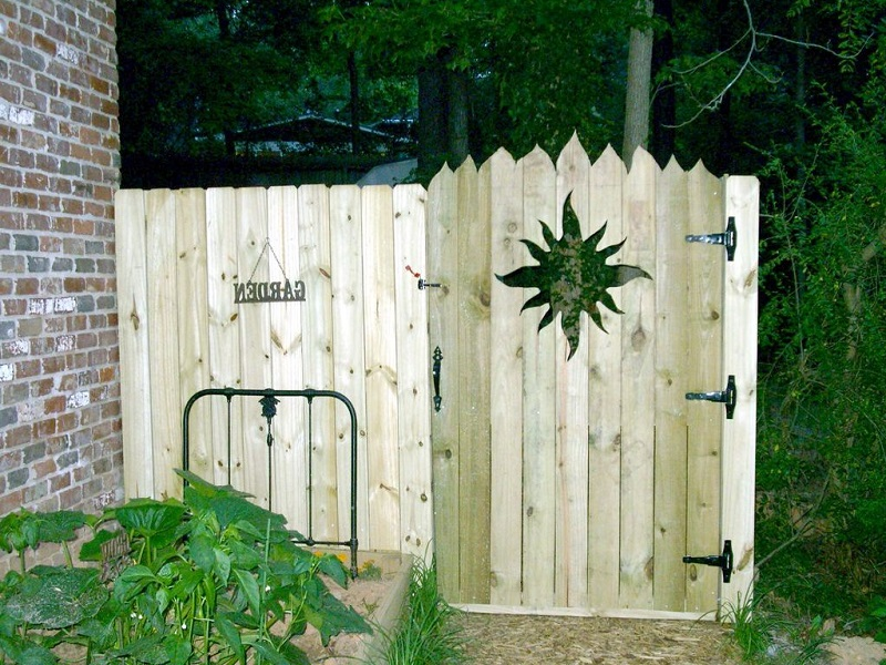 privacy fence and gate designs