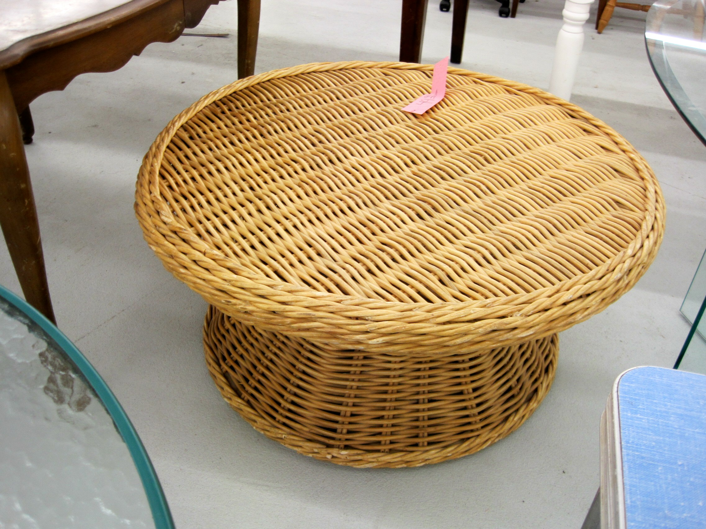 Image of: rattan round coffee table
