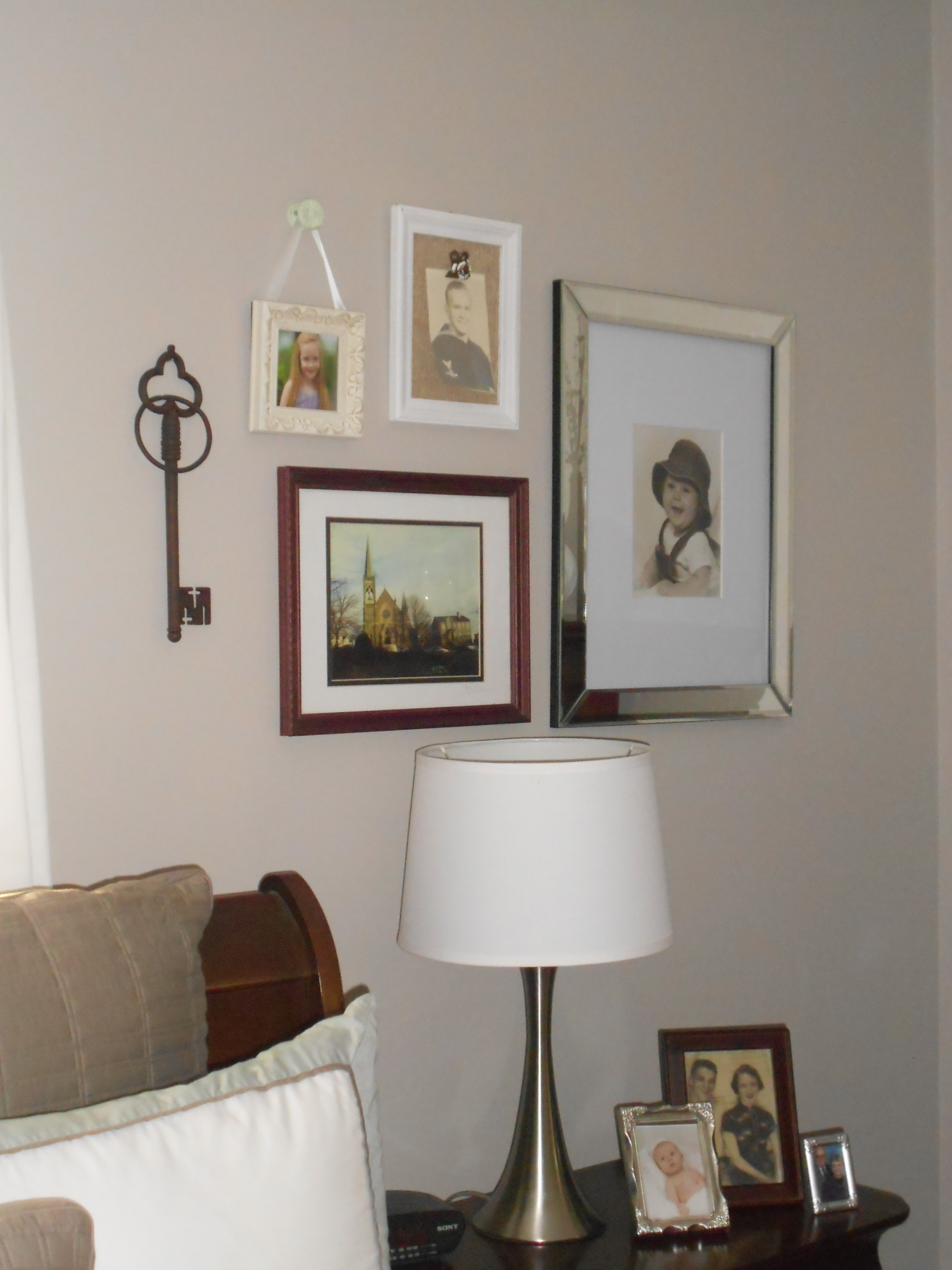 Image of: studio decor picture frames