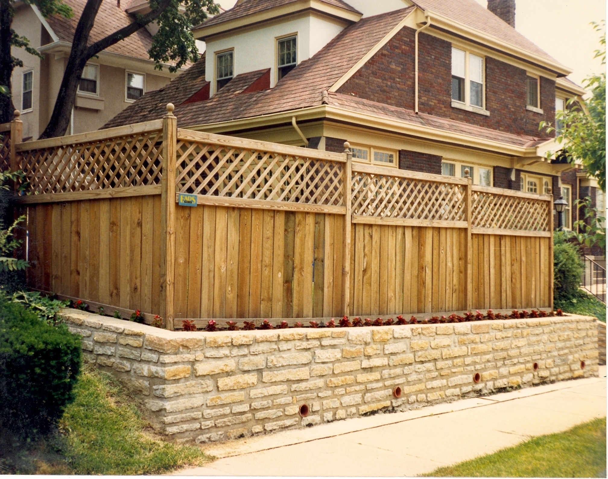 Image of: wood privacy fence designs