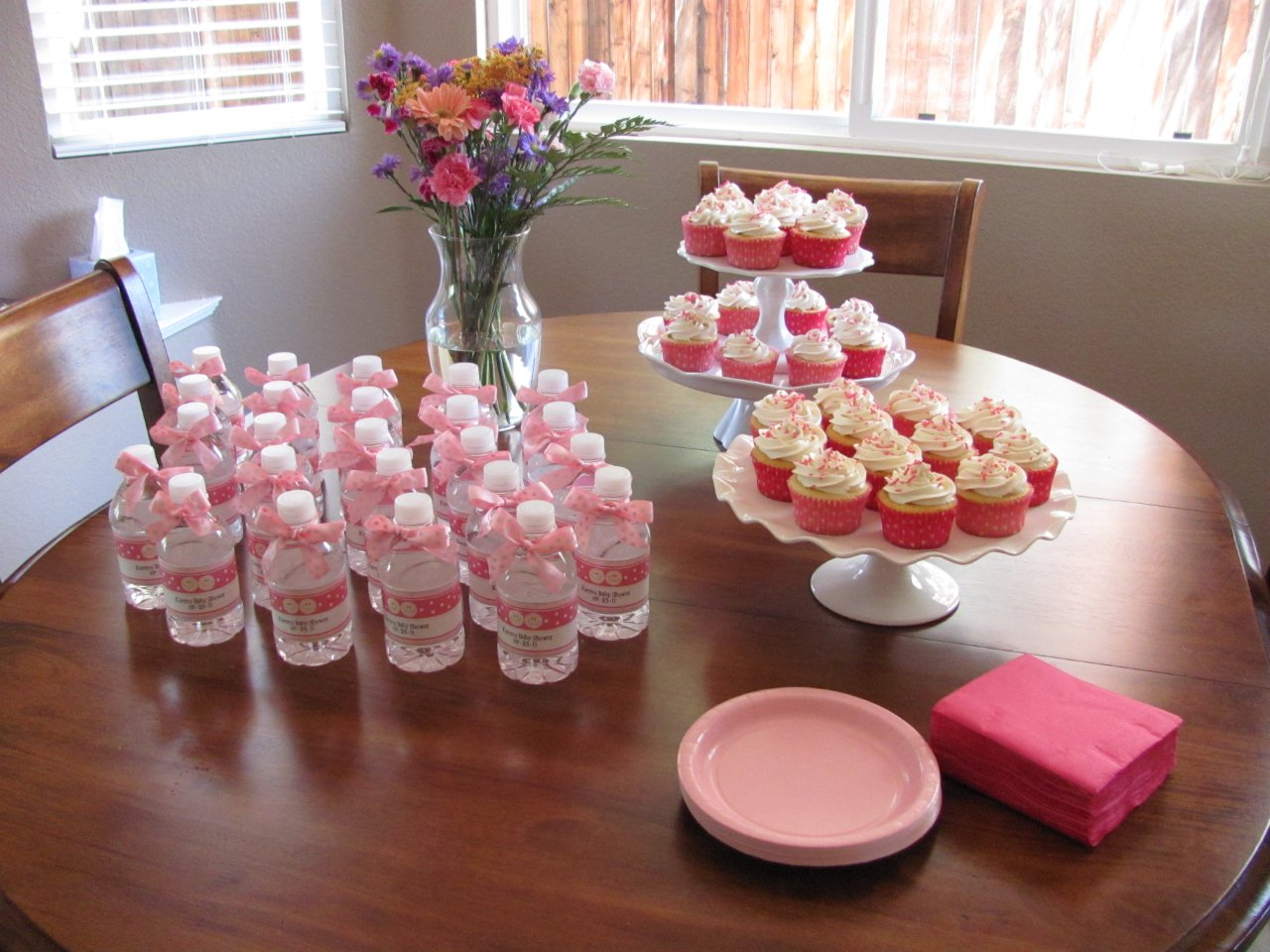 Image of: baby shower dessert table for girl