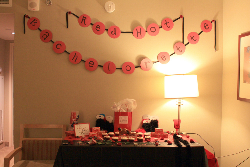 Image of: Attractive Bachelorette Party Decor