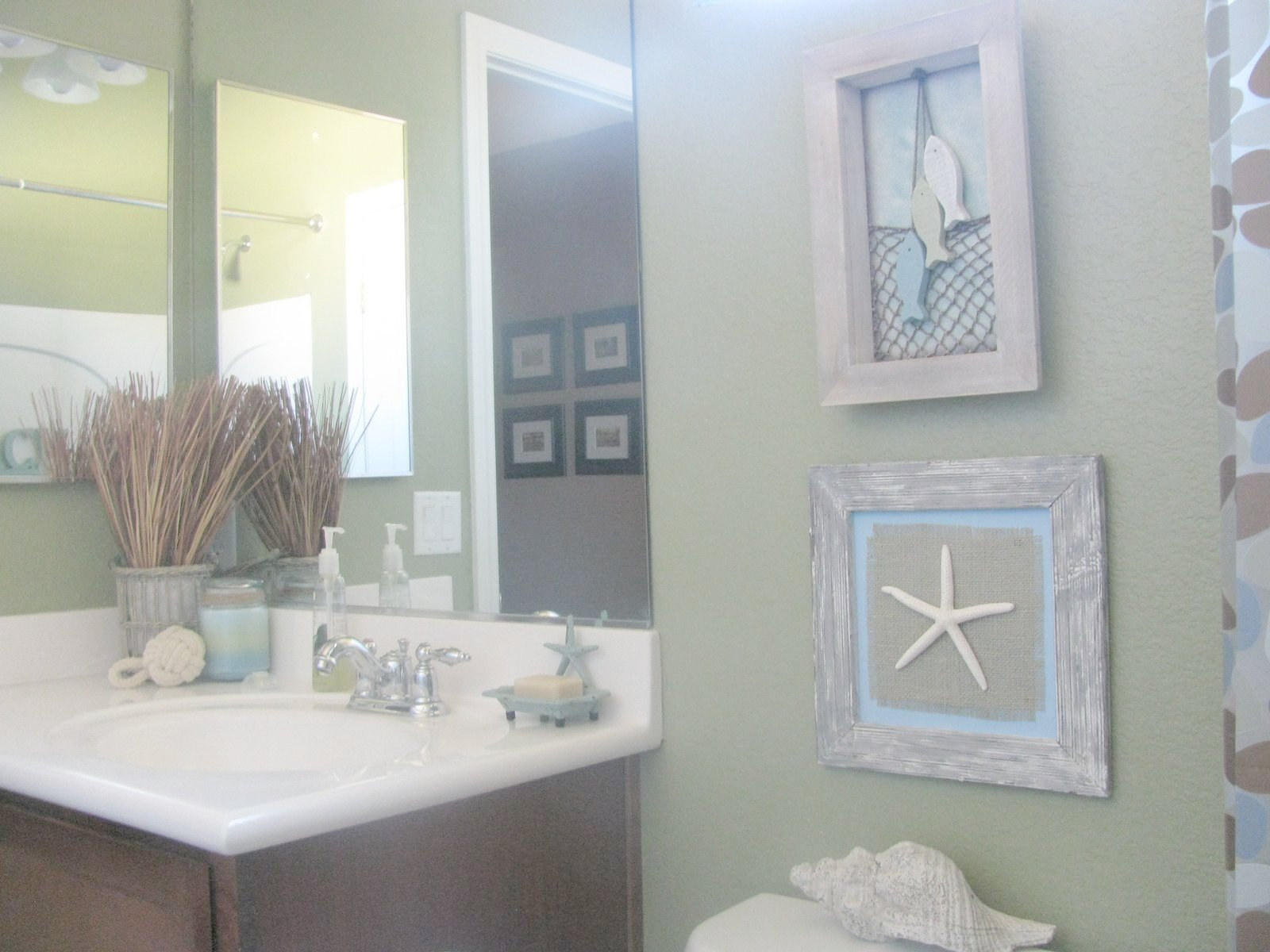 Image of: beach bathroom decor