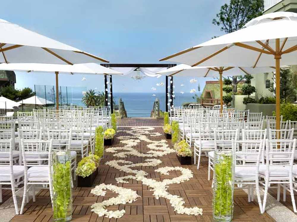 Image of: beach theme wedding decorations
