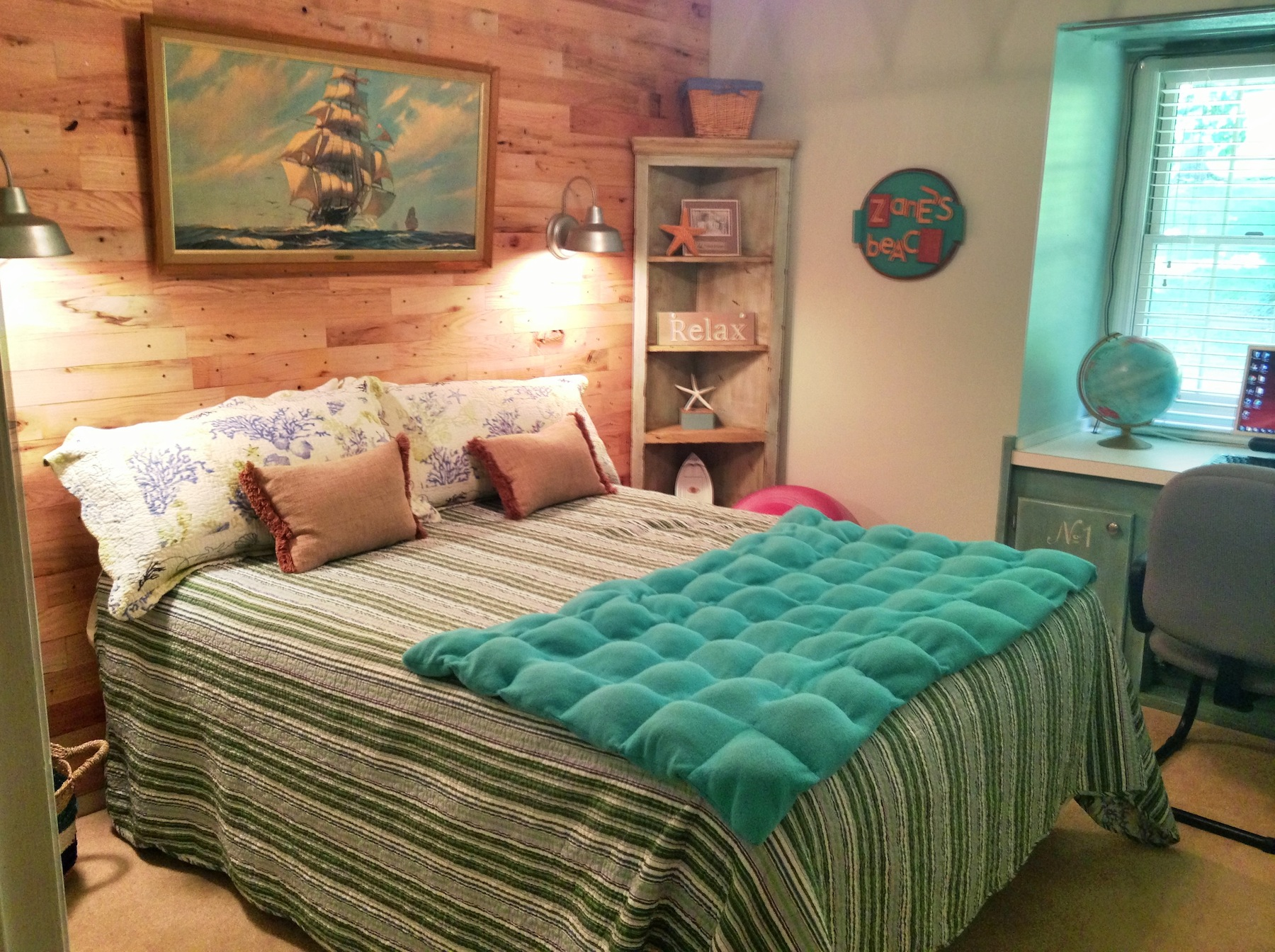 Image of: beach themed bedroom decor
