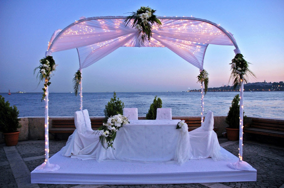 Image of: beach themed wedding decorations