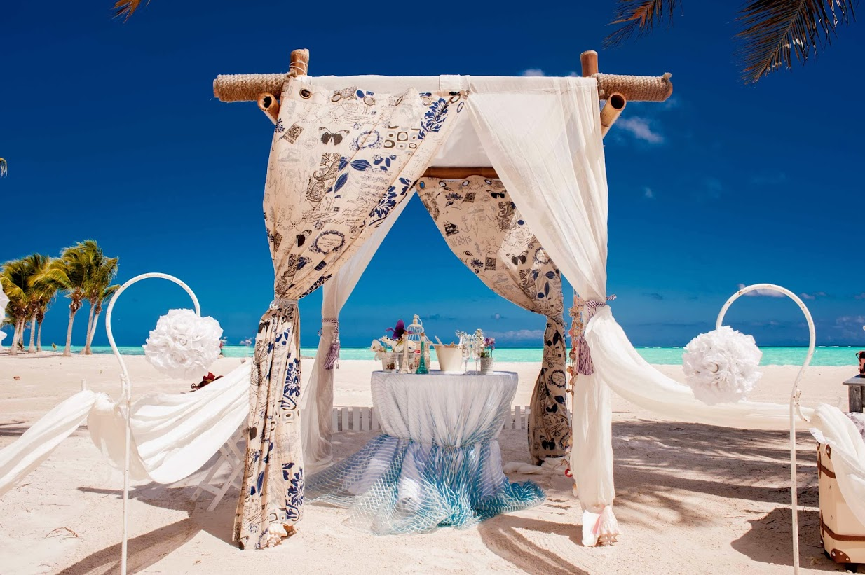 Image of: beach wedding decor ideas