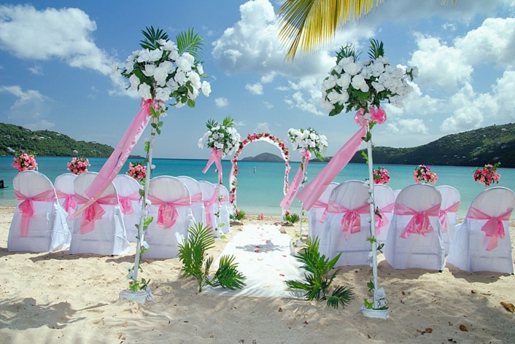 Image of: beach wedding decoration ideas