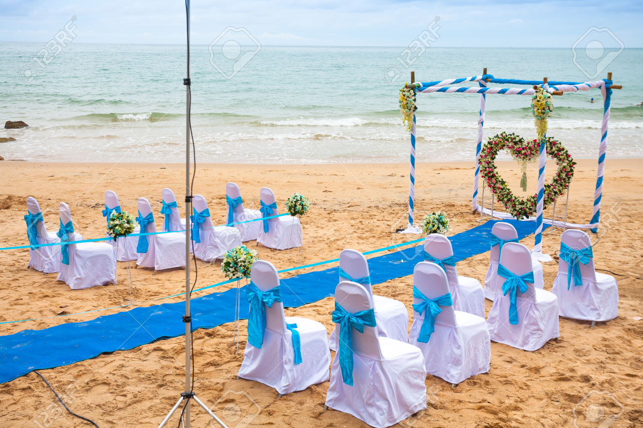 Image of: beach wedding decoration