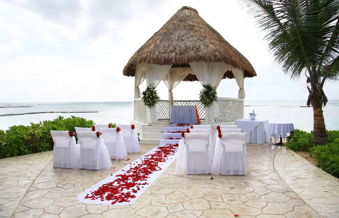 Image of: beach wedding decorations ideas