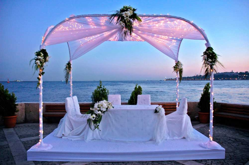 Image of: beach wedding table decorations