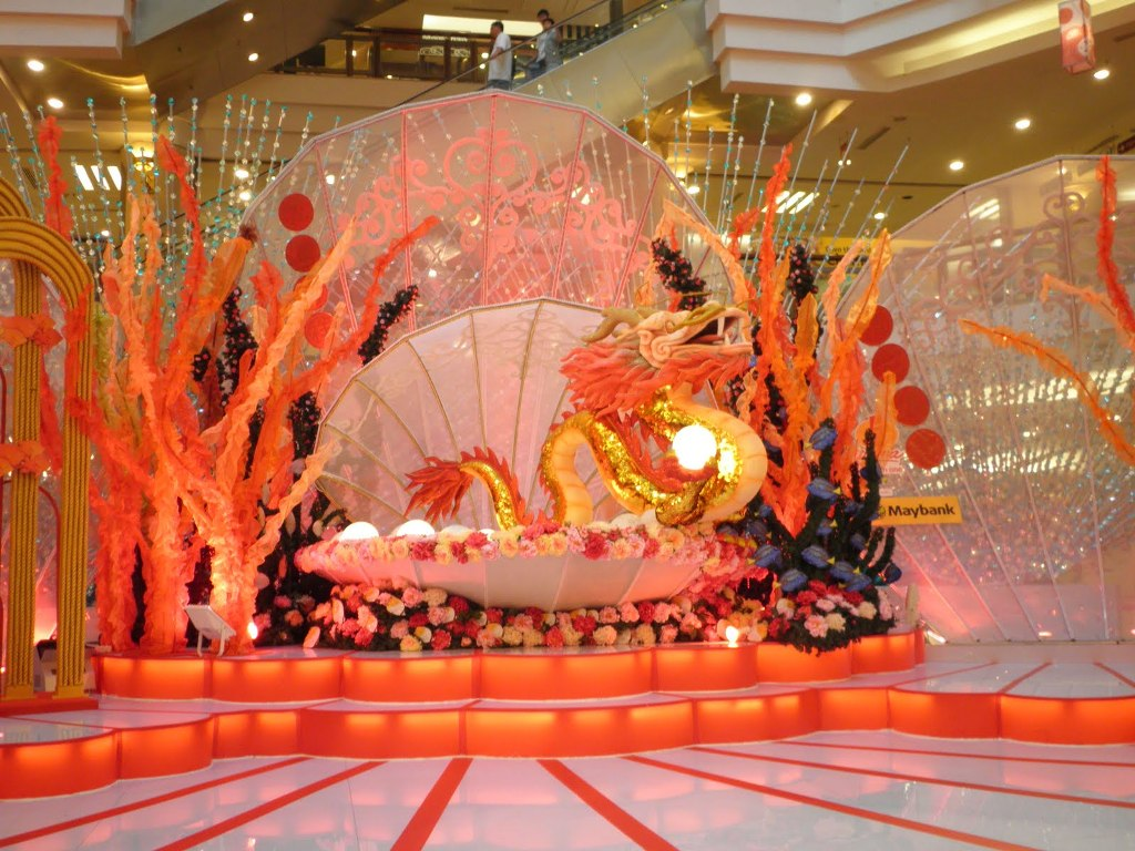 Image of: chinese dragon decorations