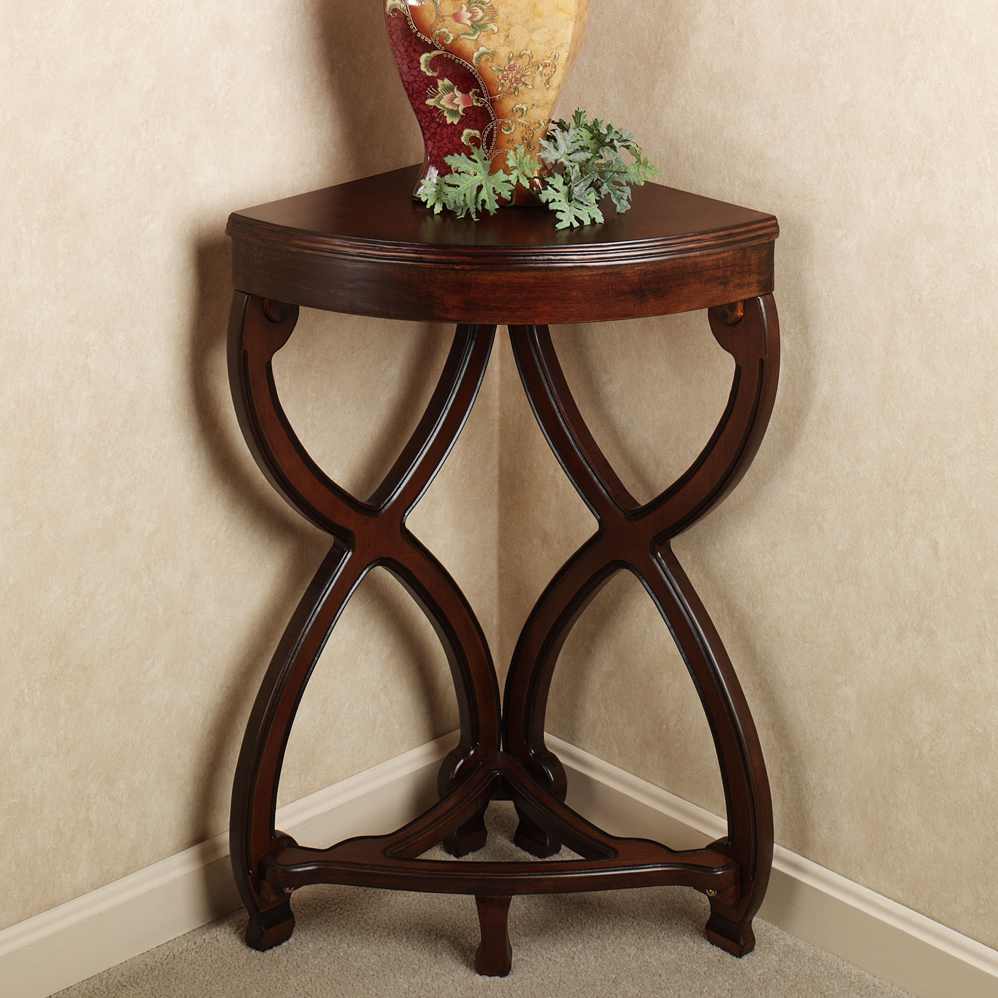 corner accent table black