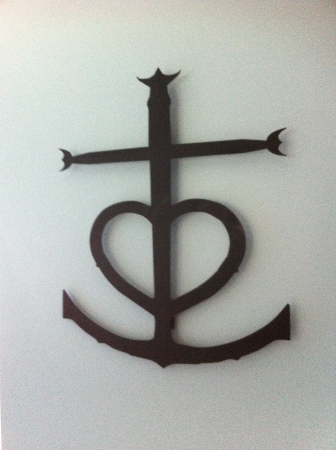 cross heart anchor wall decor