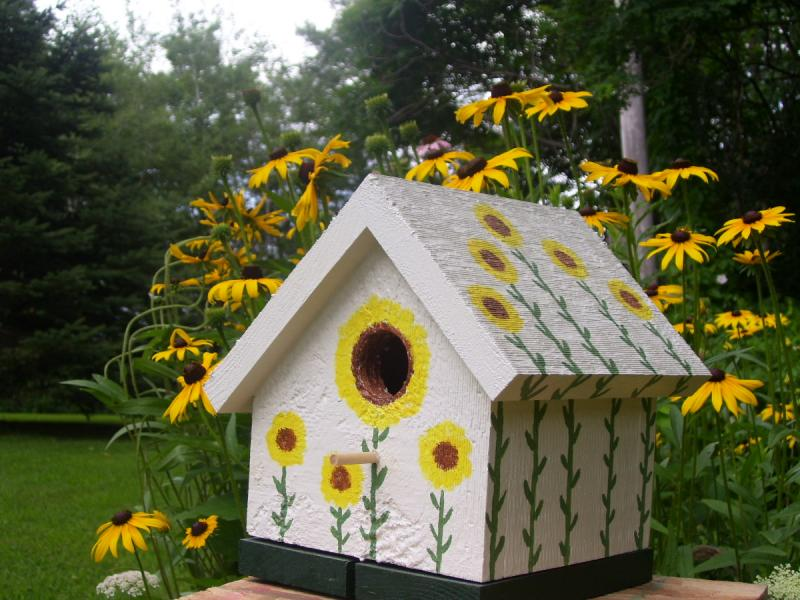 Image of: decorated bird houses