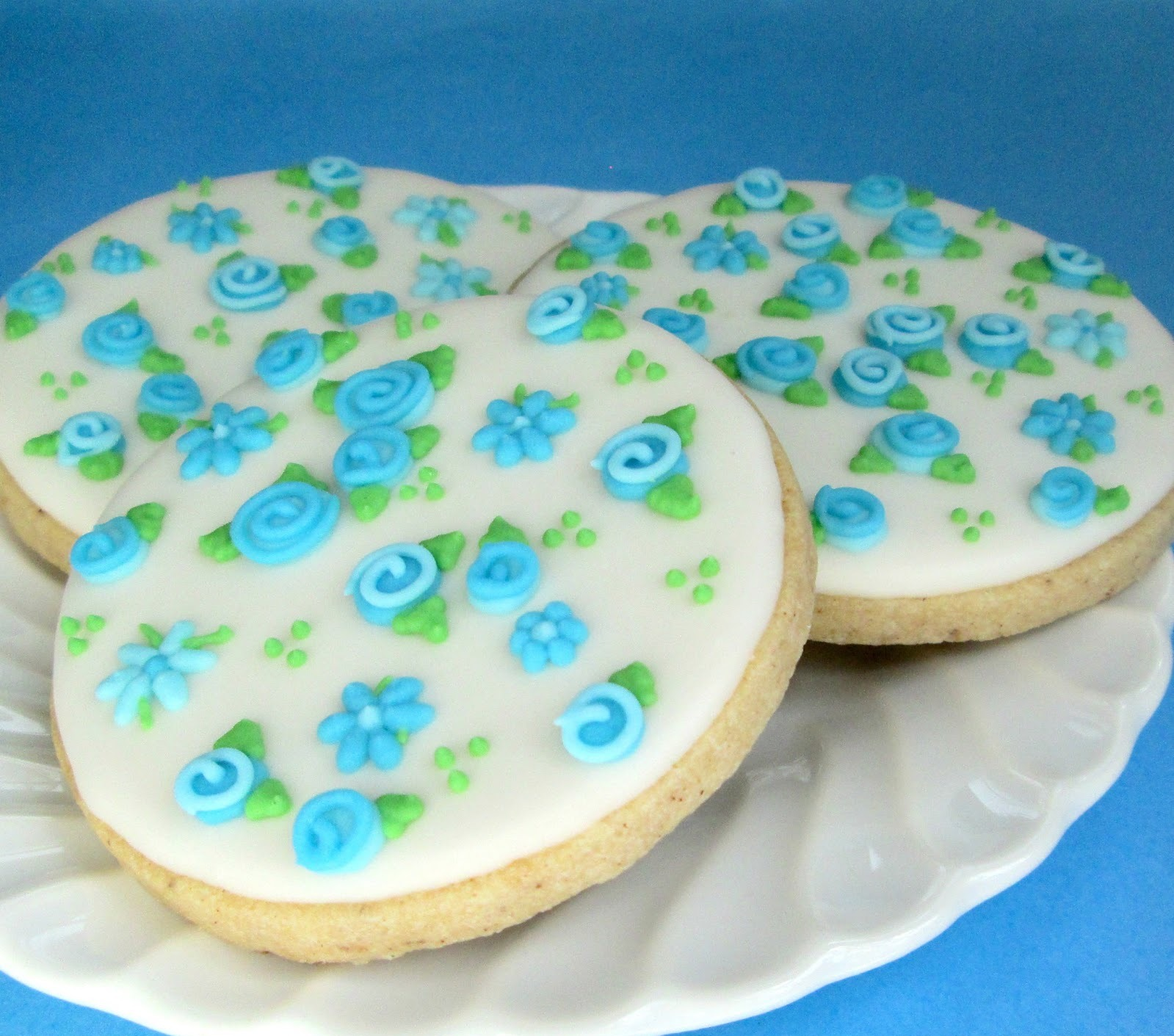 Image of: decorating sugar cookies with royal icing